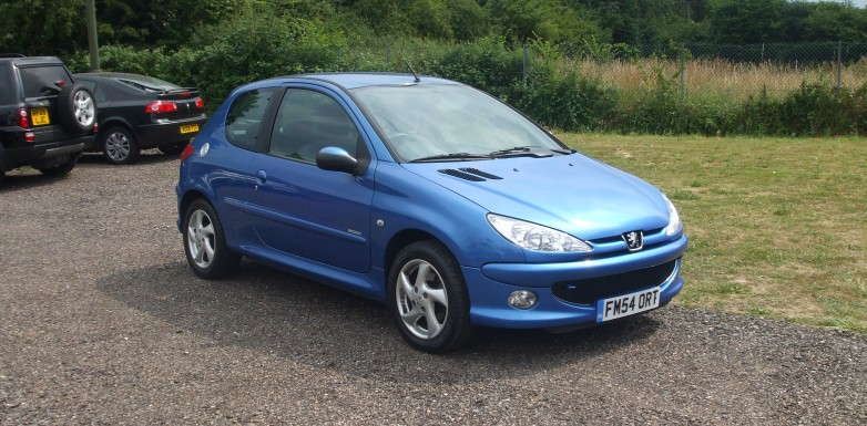 peugeot 206 2 0 hdi sport 05 reg sold ymark vehicle. Black Bedroom Furniture Sets. Home Design Ideas