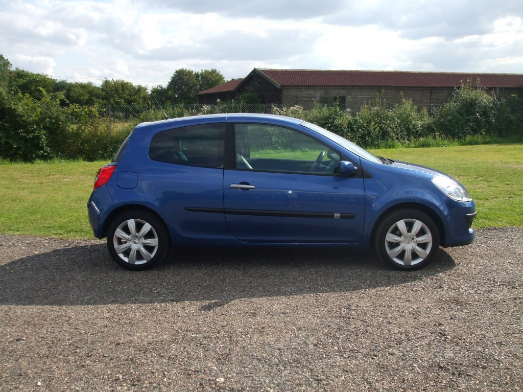 renault clio 1 5 dci dynamique s 59 reg sold ymark. Black Bedroom Furniture Sets. Home Design Ideas