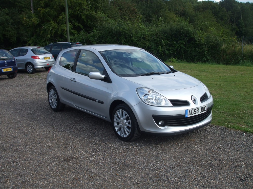 renault clio 1 2 tce dynamique s 58 reg sold ymark vehicle services. Black Bedroom Furniture Sets. Home Design Ideas