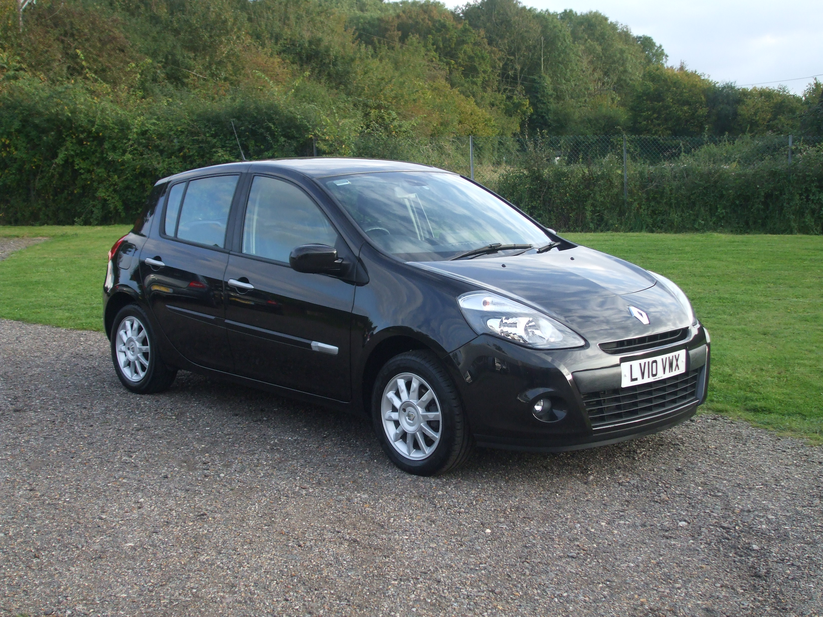 renault clio dynamique tom tom 1 5 dci 10 reg sold ymark vehicle services. Black Bedroom Furniture Sets. Home Design Ideas