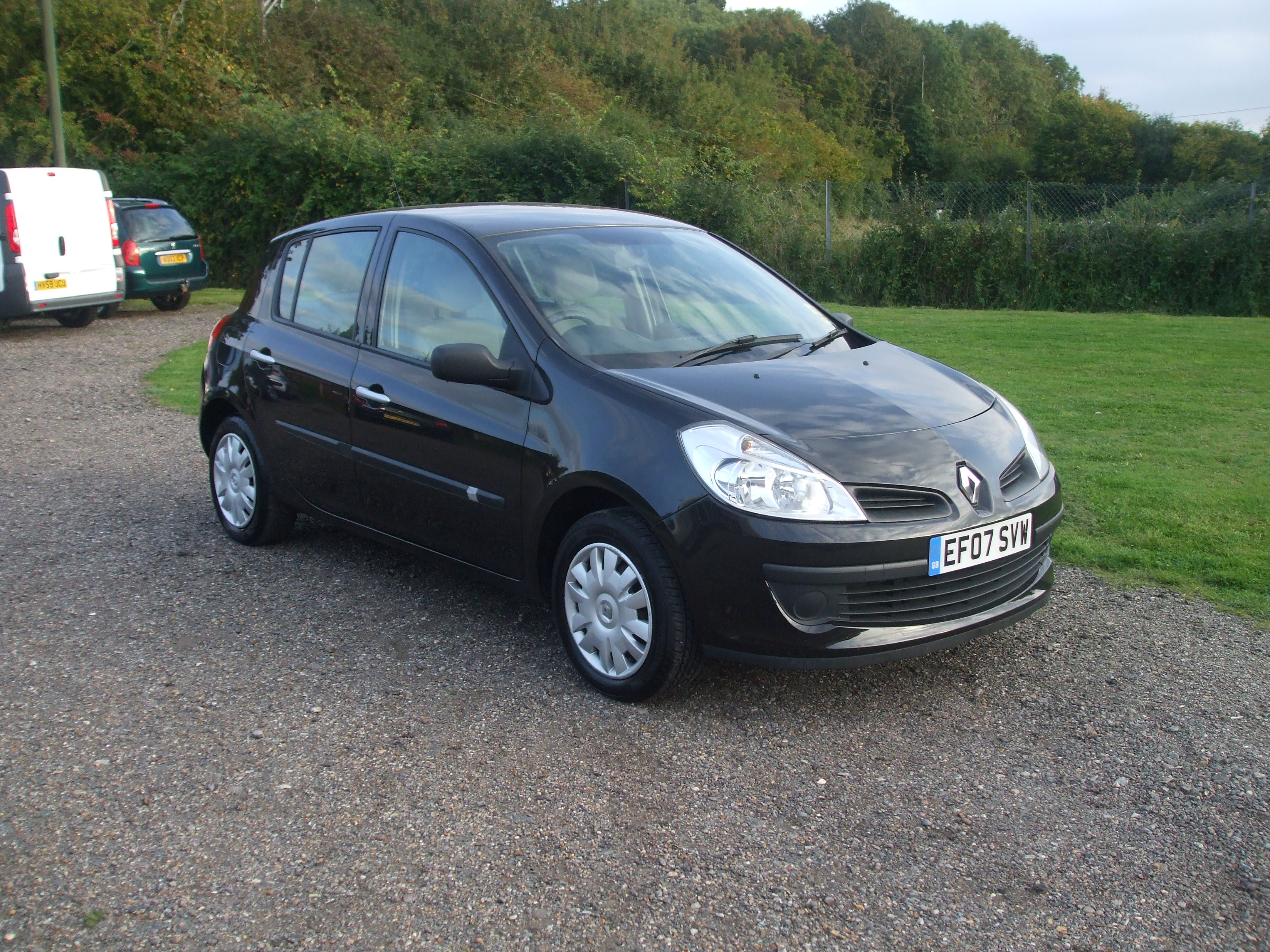 renault clio 1 5 expression dci 07 reg sold ymark vehicle services. Black Bedroom Furniture Sets. Home Design Ideas
