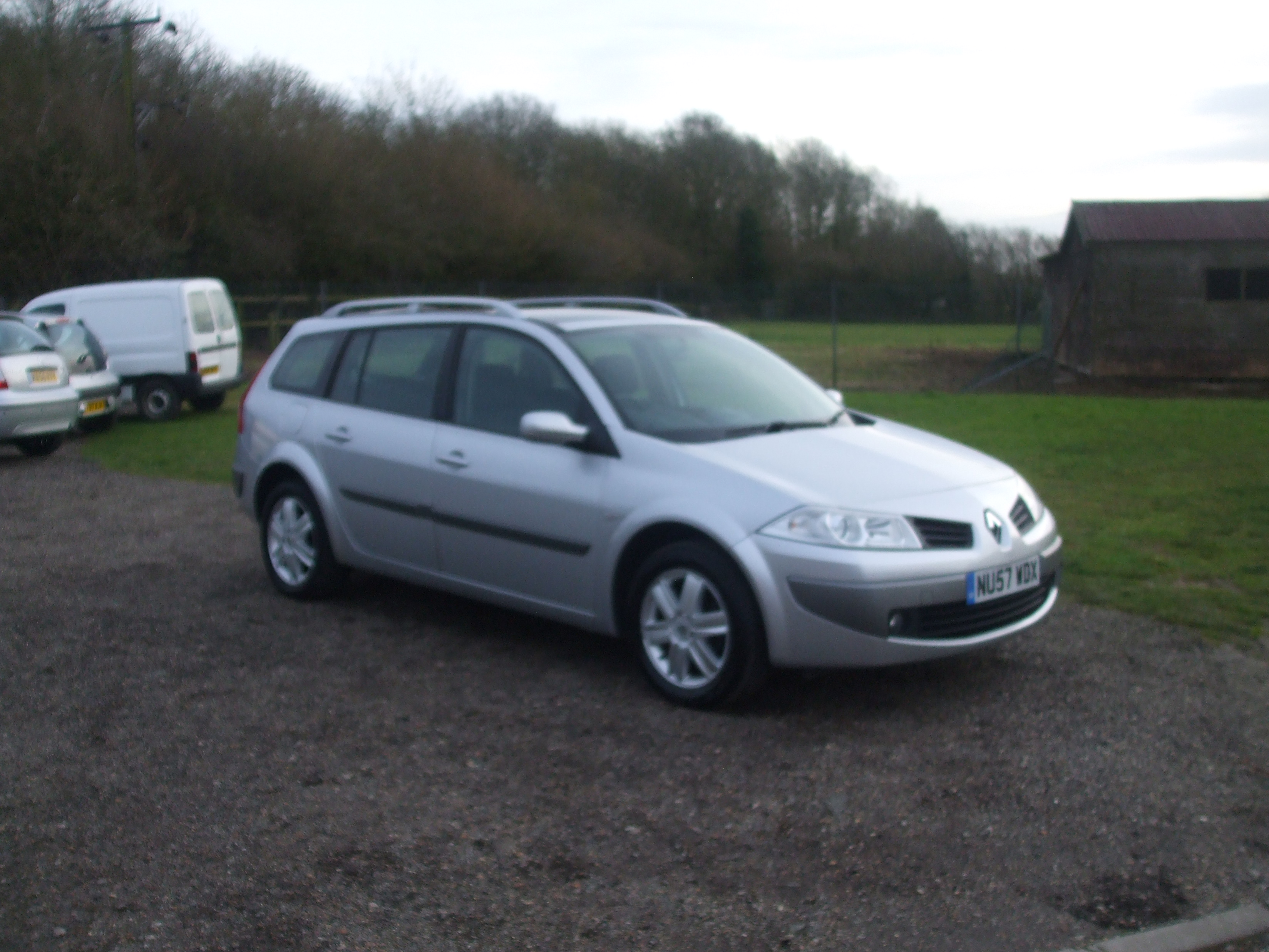 renault megane 1 9 dci dynamique estate 57 reg sold ymark vehicle services. Black Bedroom Furniture Sets. Home Design Ideas