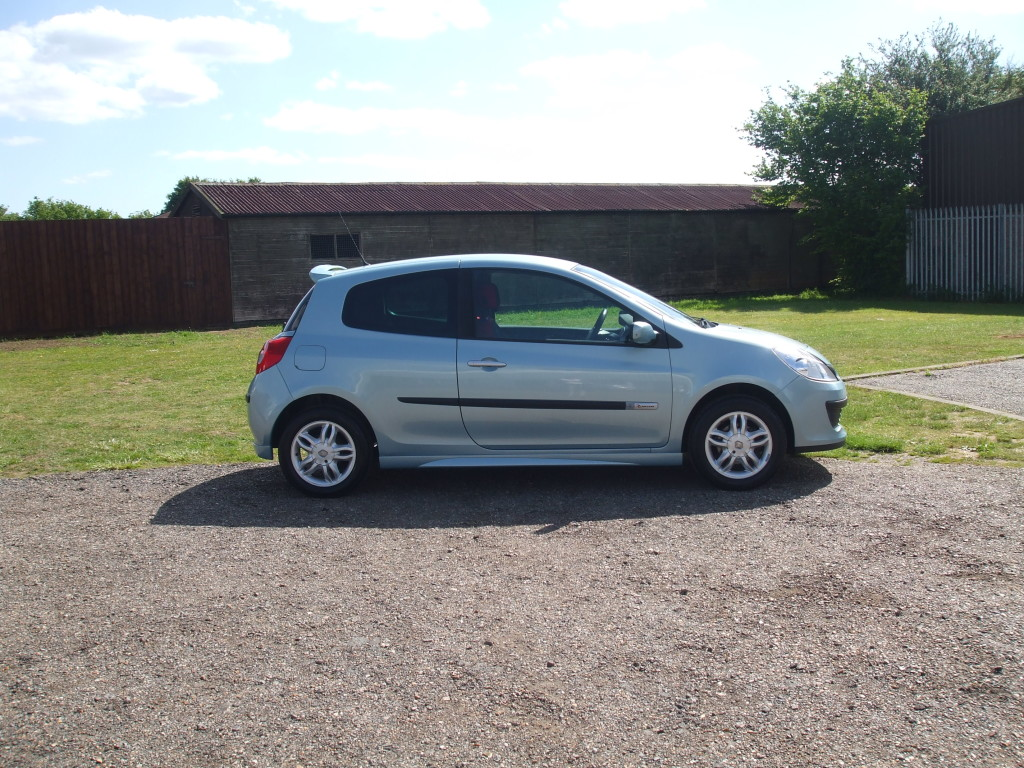renault clio 1 2 ripcurl 57 reg sold ymark vehicle services. Black Bedroom Furniture Sets. Home Design Ideas