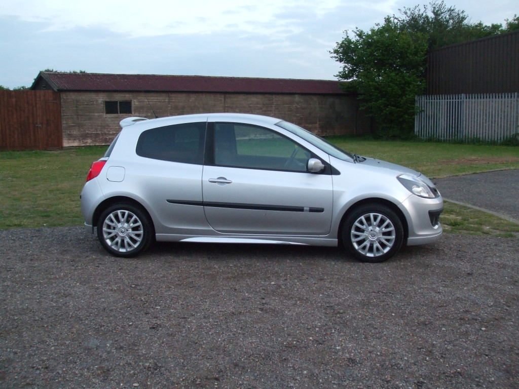 renault clio 1 5 dci dynamique s 07 reg sold ymark vehicle services. Black Bedroom Furniture Sets. Home Design Ideas