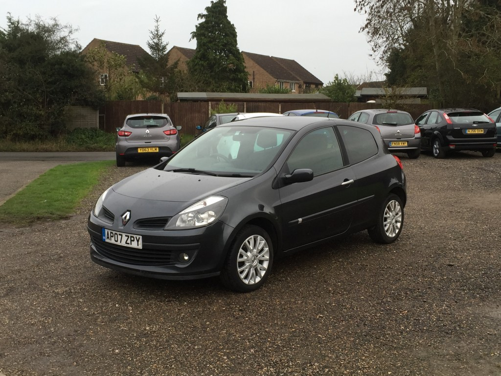 renault clio 1 5 dci dynamique 07 reg sold ymark vehicle services. Black Bedroom Furniture Sets. Home Design Ideas