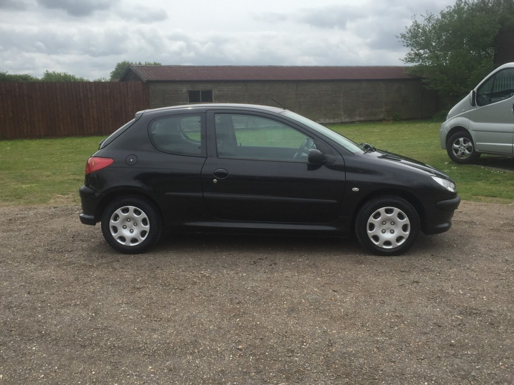 peugeot 206 1 4 hdi zest 04 reg sold ymark vehicle services. Black Bedroom Furniture Sets. Home Design Ideas