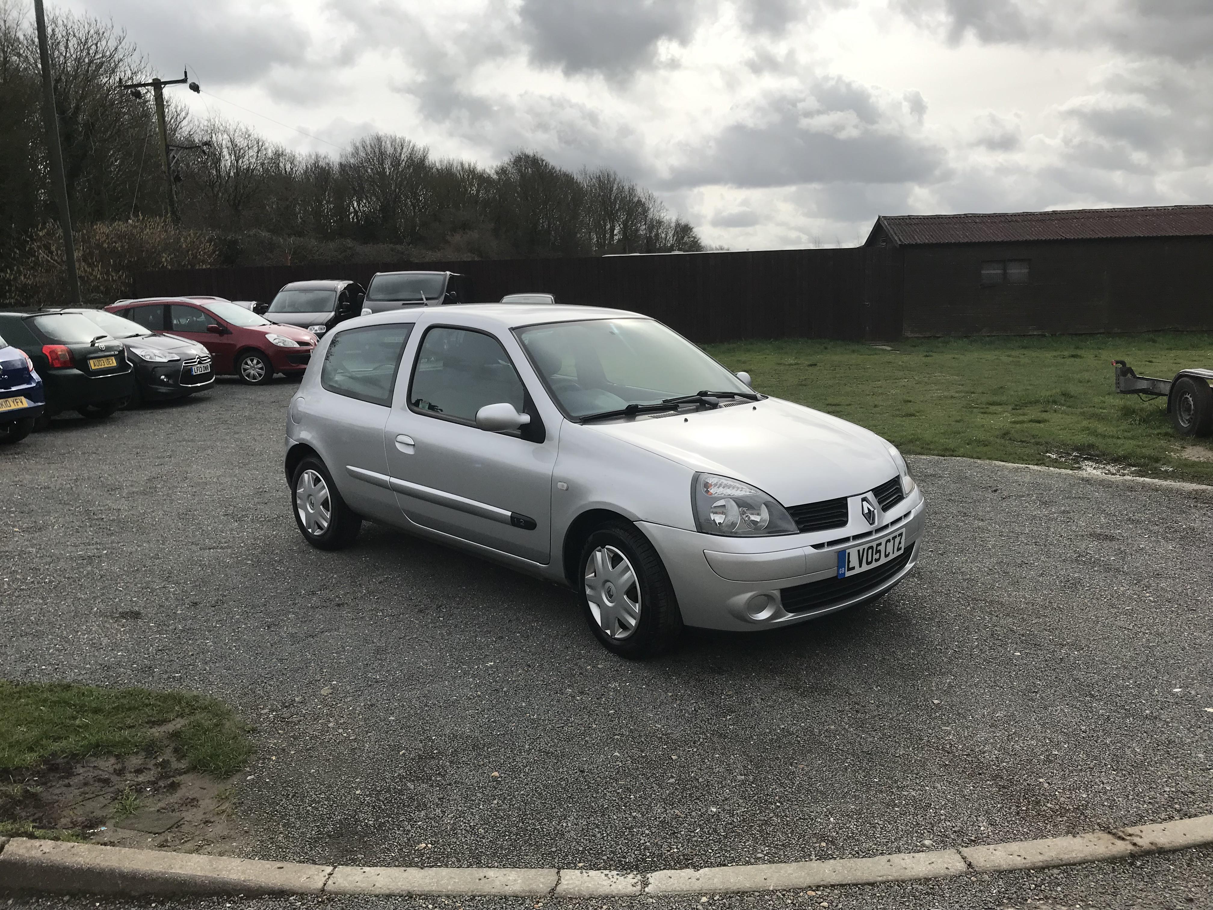 Renault Clio 1.2 Authentique (05 Reg) – Sold