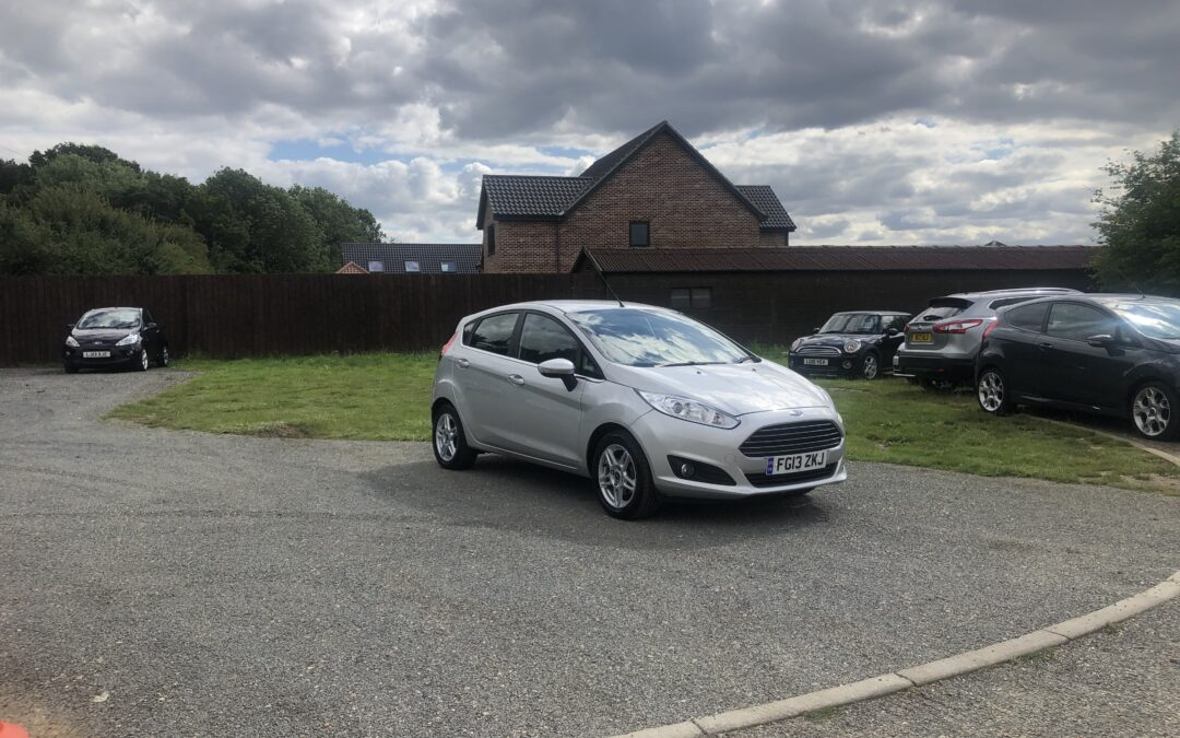 Ford Fiesta 1.25 Zetec (13 reg) – £4395